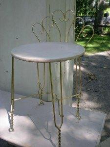 Vintage Vanity Chair Makeover